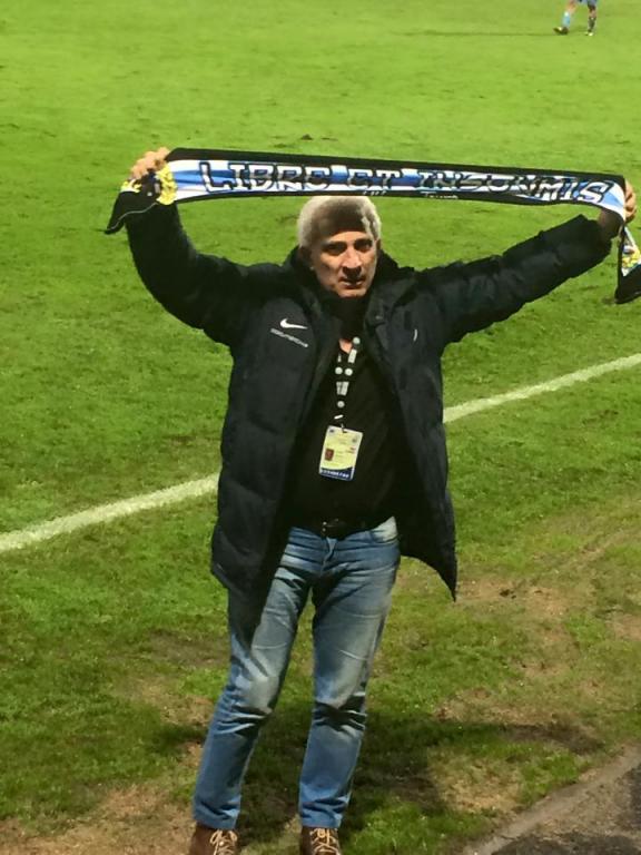 Le Respect ! Président Ettori, fin de match.