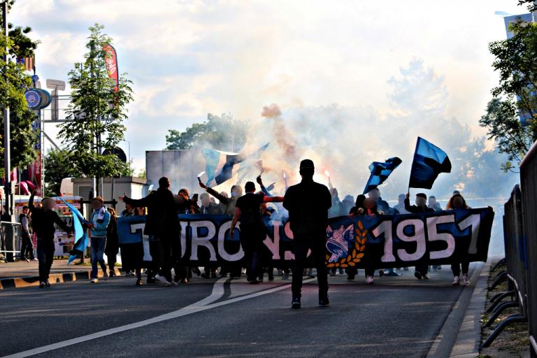 Liberté pour les Ultras !